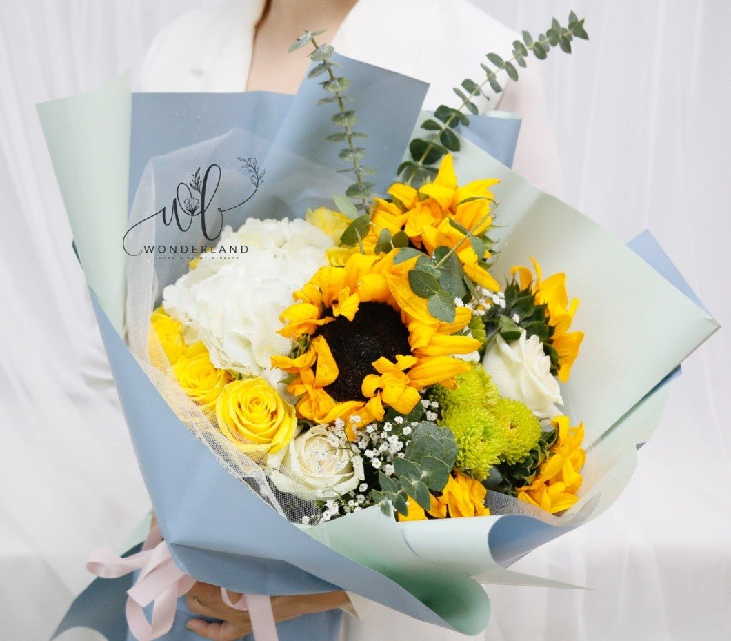 Sunshine & Happiness Flower Set Online Gift Shop in Dubai