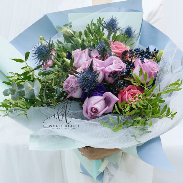 Teal Tale Bouquet online flower shop in Dubai