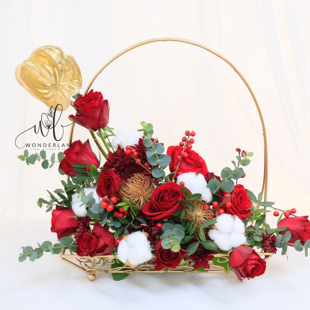 The Red Rose Platform red flowers gift buy online in Dubai